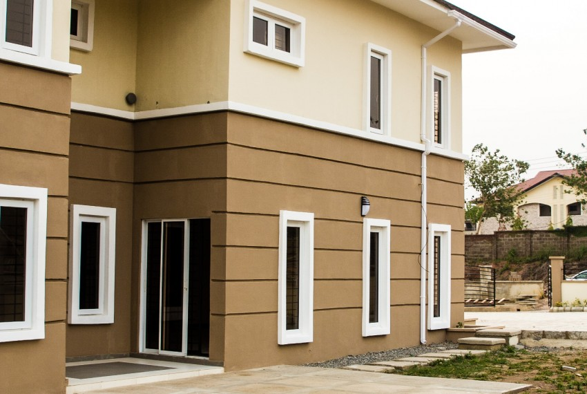 6 Bedroom Semi-Detached Duplex